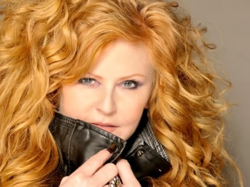 Pleasure & Pain Tour: T'Pau picture