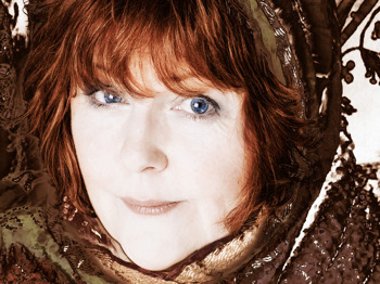 Maggie Reilly picture