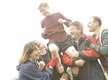 Jumpers For Goalposts (Touring) artist photo