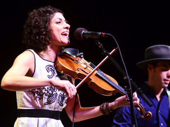 Carrie Rodriguez + Luke Jacobs picture