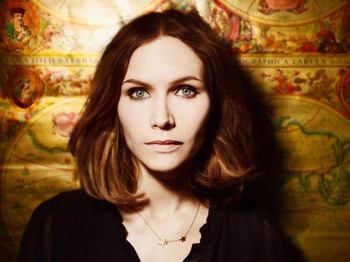 Nina Persson artist photo