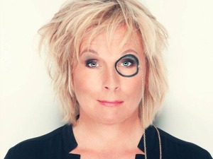 Jennifer Saunders artist photo