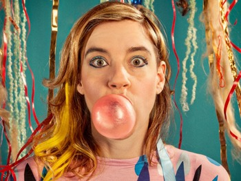 tUnE-yArDs artist photo