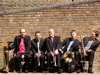 Music In The Round: Onyx Brass picture