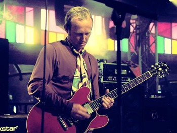 Steve Cradock + Yes Rebels picture