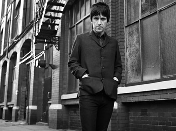 Signing Session: Johnny Marr picture