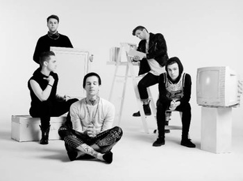 The Neighbourhood picture