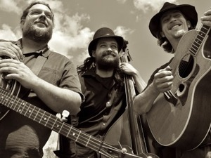 The Howlin' Brothers artist photo