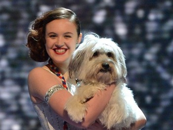 Ashleigh & Pudsey artist photo
