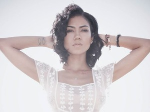 Jhene Aiko artist photo