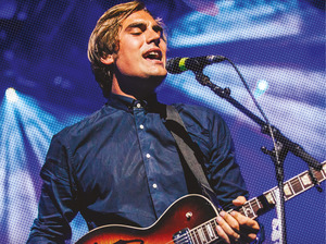 Charlie Simpson artist photo