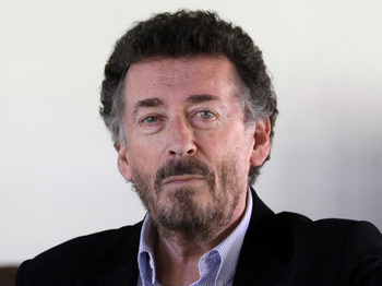 Dickens' Villains: Robert Powell picture
