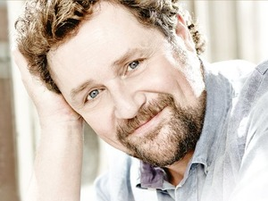 Michael Ball artist photo