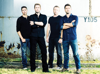 Nickelback + Daughtry picture