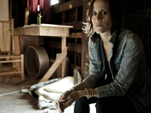 Sera Cahoone artist photo