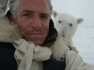 Gordon Buchanan artist photo