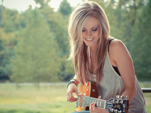 Lindsay Ell artist photo