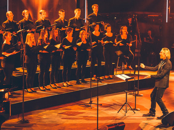 Silent Night: Eric Whitacre, The Eric Whitacre Singers picture
