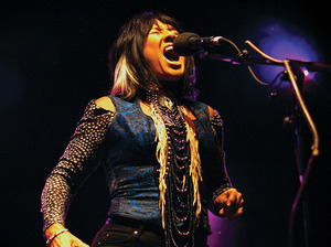 Buffy Sainte-Marie artist photo