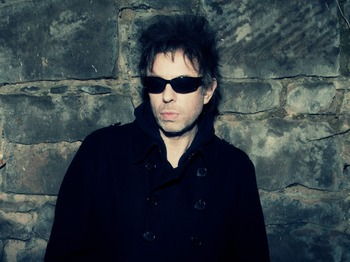 Acoustic Set With: Ian McCulloch picture