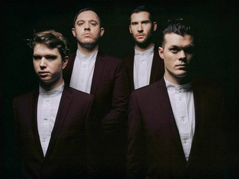 Everything Everything artist photo