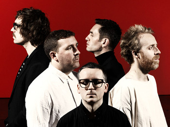 Hot Chip + Django Django picture