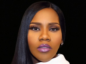 Kelly Price artist photo