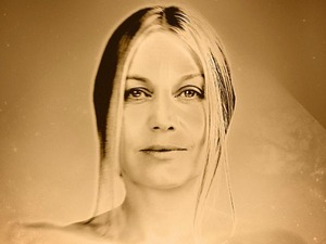 Astrid Williamson artist photo