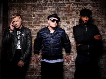 Warriors End Of the World Extravaganza: The Prodigy + Shy FX + Caspa + Devious D + R.O.K. picture