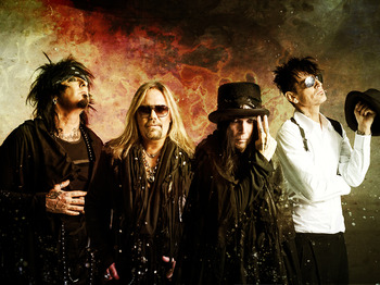 Mötley Crüe artist photo