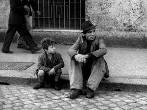 Film promo picture: Ladri Di Biciclette (Bicycle Thieves)