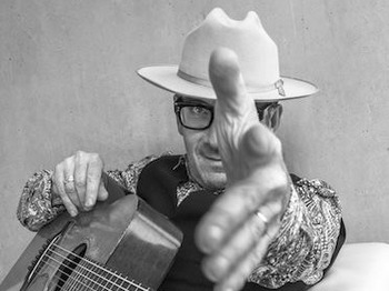 Solo In Concert: Elvis Costello picture