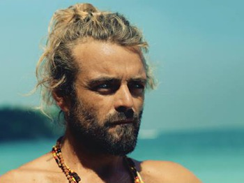Xavier Rudd artist photo