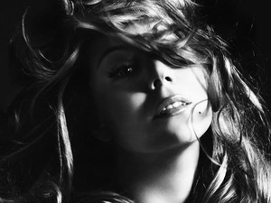 Mariah Carey artist photo