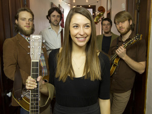 Lindsay Lou And The Flatbellys artist photo