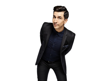 Smallness: Russell Kane picture