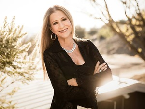Rita Coolidge artist photo