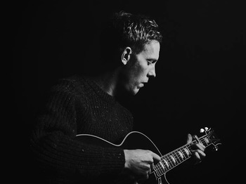 Laurence Fox artist photo