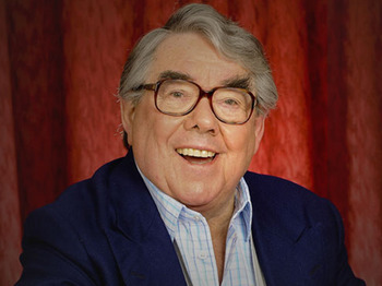 Ronnie Corbett artist photo