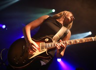 Joanne Shaw Taylor artist photo