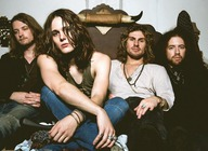 Tyler Bryant & The Shakedown artist photo