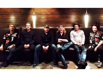 Lusty Glaze Sundowner Sessions: Levellers + Gaz Brookfield + Emerald picture