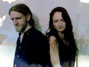 Edgelarks (Phillip Henry & Hannah Martin) artist photo