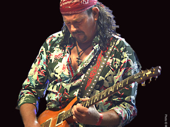 The Music Of Carlos Santana: Oye Santana picture