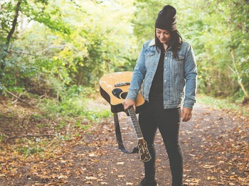 Lucy Spraggan picture