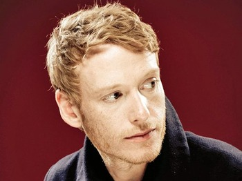 Teddy Thompson artist photo