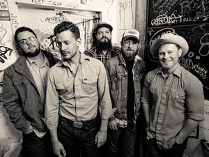 Turnpike Troubadours artist photo
