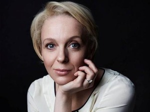 Amanda Abbington artist photo