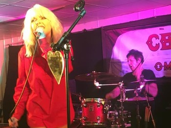 Debbie Harris Does Debbie Harry Duo Extravaganza: Bootleg Blondie picture
