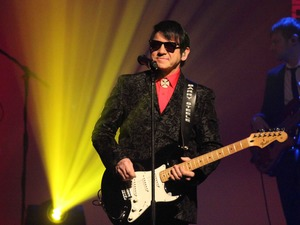 Barry Steele as Roy Orbison (Touring) artist photo